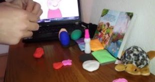 Peppa-Pig-Play-Doh-Cupcakes-FAIL-Peppa-George-Pig-Candy-Cat-Make-Bad-Treats-in-this-Toy-Video